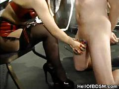 Bondage babe ties up her man