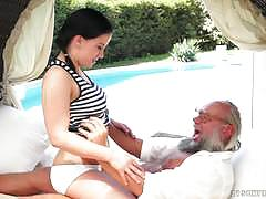 Old man poundes hot brunette hard