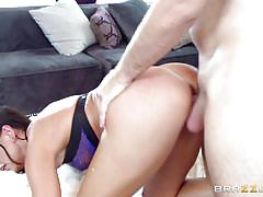Smokey brunette gets her pussy fucked
