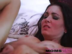 Momsteachsex - hot deepthroating threesome