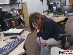 Pretty hot babe got pussy fucked for some quick cash