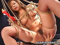 Kinky asians enjoy lesbian fun