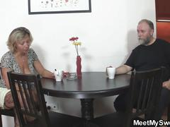 Old mom seduces his new gf into home sex