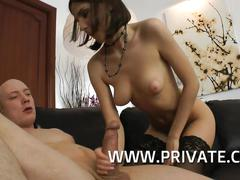 Teen cloee trinity gives a great handjob