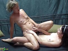 Amateur babes enjoy lesbian fuck