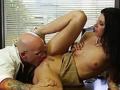 Hot salesman gets his dick wet in milf india summer