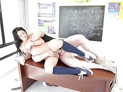 Kelly diamond fucked in the classroom