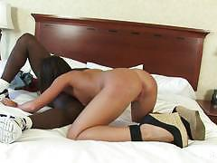 Wild giselle leon gets her pussy drilled