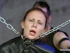 Foxy babe loves bondage