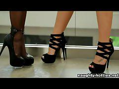 Naughty-hotties.net - hot oiled lesbians