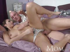Mom brunette housewife breakfast creampie