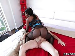 Big breasted diamond jackson fucks a white cock