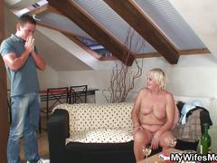 Mature slut gets to bang a young boyfriend close up