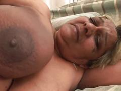Hot ripe lady gets her old pussy chiseled doggy style
