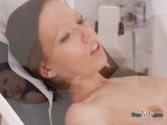 Hot patient yasmin screws her hung doctor