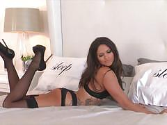 Beauty aspen rae loves to play all alone