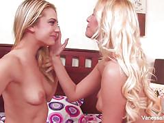 Dahlia sky and vanessa cage enjoy lesbian fun