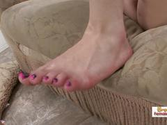Cumming on jessi palmer's feet