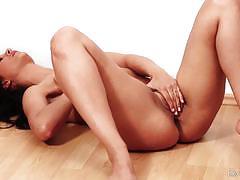 Blistering brunette katie oliver floor masturbation