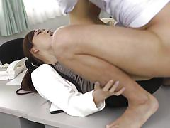 Japanese slut can't concentrate on her work