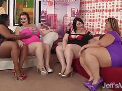 Plumper amateurs enjoy lesbian foursome