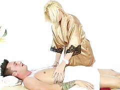 Kierstin koyote offers extra services during her massage
