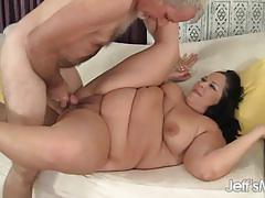 Randy plumper gets her pussy slammed