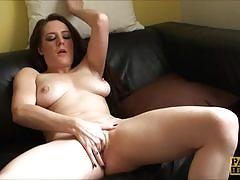 Sexy samantha bentley plays with her moist slot