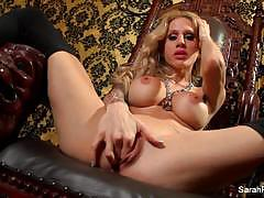 Hottie sarah jessie plays with her moist pussy