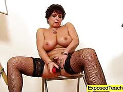 Stockings clad amateur dildo fucks her moist pussy