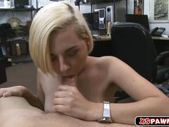 Sexy hot chick wanted a meaty cock to fuck for cash