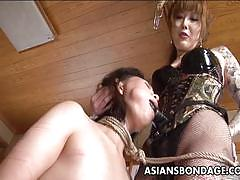 Dominant asian gets her sub