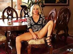 Blonde amateur dildo fucks her moist pussy