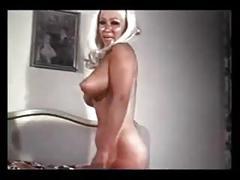 Retro puffy nipples