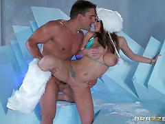 Hot brooklyn chase gets icy cold fuck