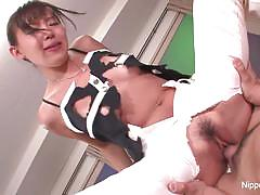 Asian amateur gets her pussy hammered
