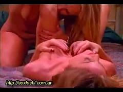 Sex oral lesbian very hot