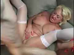 Horny milf with a phat pussy!!!!!