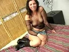 Betty gets her pussy stretched