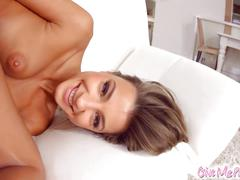 Givemepink stunning maria rya gets herself off with vibrator