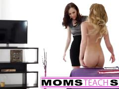 Step mom goes ass to ass with young teen