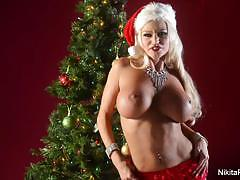 Nikita von james solo christmas fun