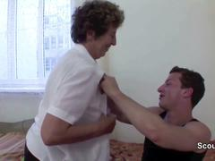Granny seduce young boy to fuck her in her asshole