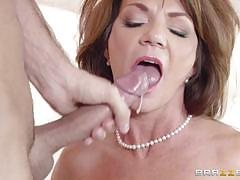 Mature deauxma squirting all over the place