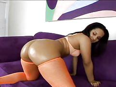 Indian milf with oiled ass gets dirty