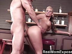 Real mom exposed babe phoenix marie gets her p...