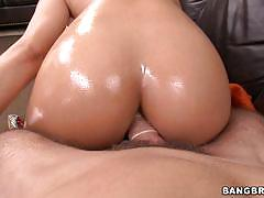 Bangbros network butt plug and pussy fucking a...