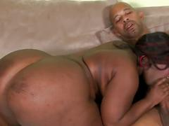 Sexy black bbw takes bbc