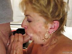 21sextreme old grandma smashed doggystyle