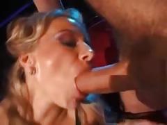 Suruba no cinema pornô